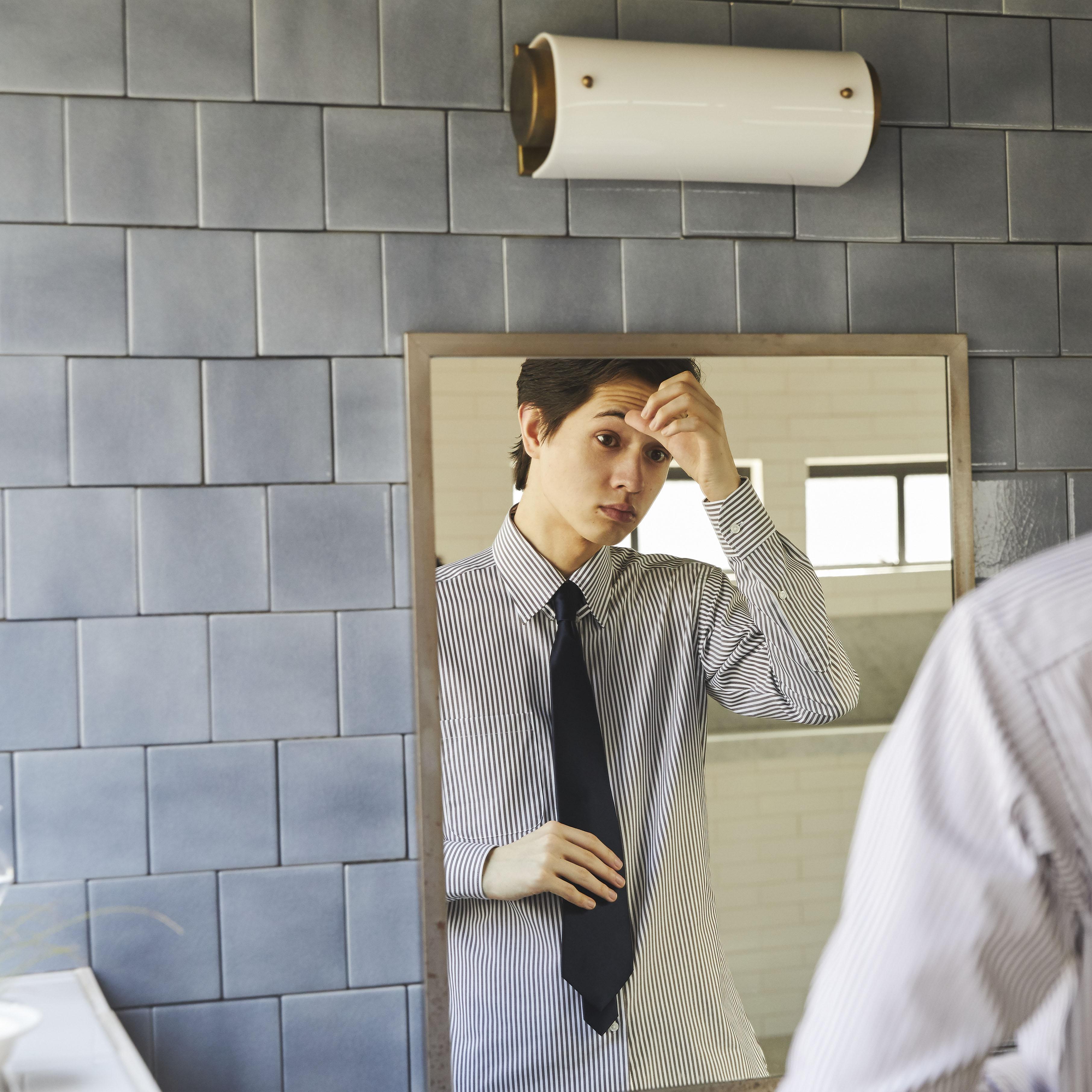 色によるネクタイの選び方