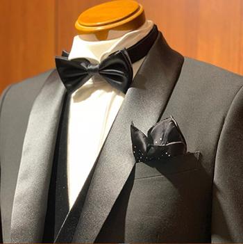 1e0caa1b82533 新郎やゲストでの結婚式するネクタイとして人気の高い蝶ネクタイ。 最近では様々な色柄・素材のものがあり、手軽におしゃれを楽しめます。