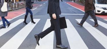 リクルートスーツに合わせるべき靴とは?