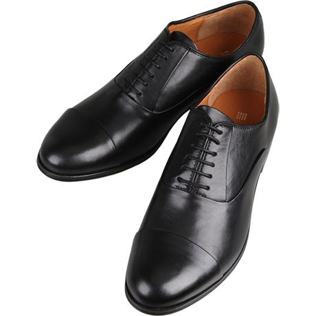 黒の革靴ストレートチップ