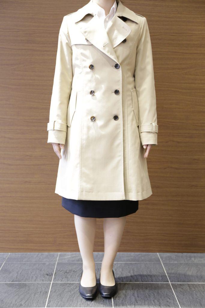 ベージュトレントコート