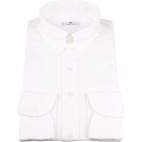 タブカラー白シャツ