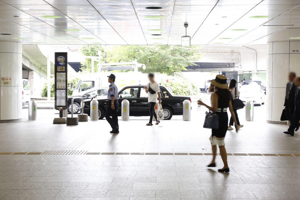 新宿駅西口地下ロータリー