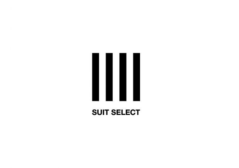 白地に黒い4本の柱をモチーフとしたロゴが描かれている。その4本の柱は正方形を成し、柱の下に英字でSUIT SELECTの文字が配置されている。